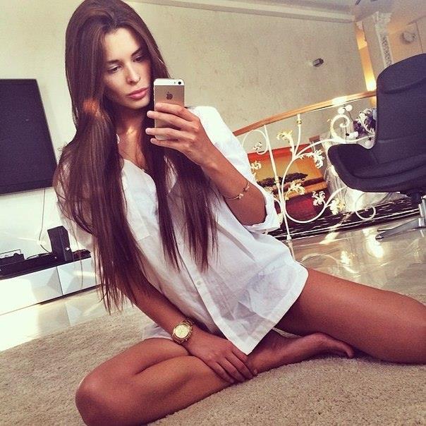 красивые девушка с айфонам