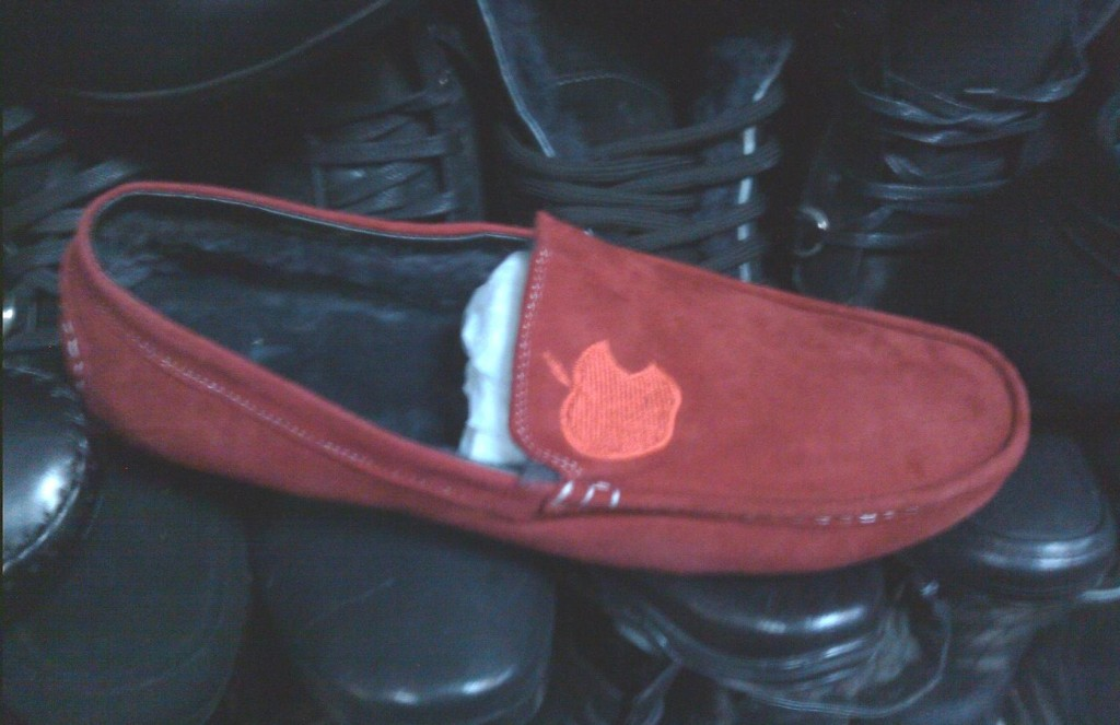 Мокасины красные фото