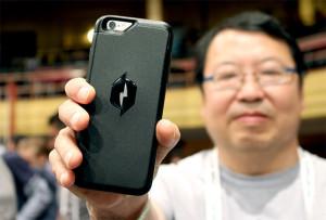 Чехол, который зарядит ваш телефон буквально из воздуха