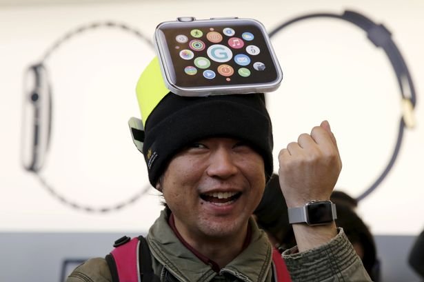 The-Apple-watch-goes-on-display