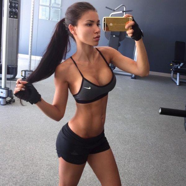 Секси спорт девушки