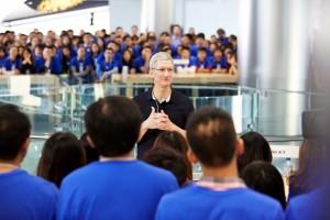 Apple и благотворительность: помочь не словом, а делом