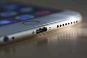 У нового iPhone, возможно, не будет стандартного разъема для наушников