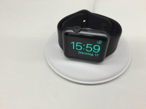 Apple готовится презентовать официальную док-станцию для Apple Watch