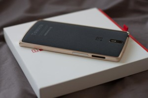 OnePlus предлагает купить чехол на iPhone, который имитирует ее собственный смартфон