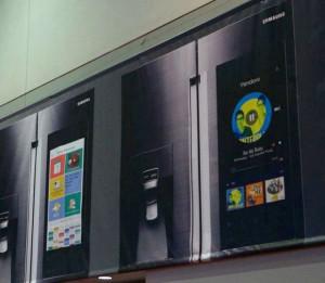 Samsung показала холодильник со встроенным планшетом