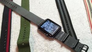 Как сделать из обычного нейлонового ремешка версию для Apple Watch?