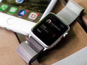В Apple считают, что Apple Watch работают долго и батарею увеличивать не нужно