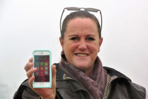 Жительница Британии уронила iPhone в реку и нашла его через месяц в рабочем состоянии