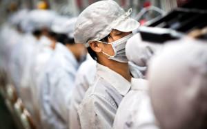 На заводе Foxconn идет расследование таинственной смерти работников
