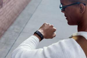 Fitbit представила браслет Charge 2 и трекер Flex 2