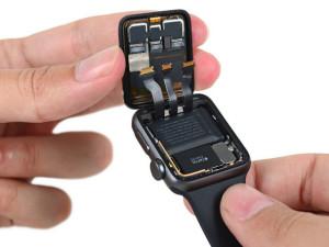 iFixit разобрали второе поколение Apple Watch: улучшенный аккумулятор и водостойкость