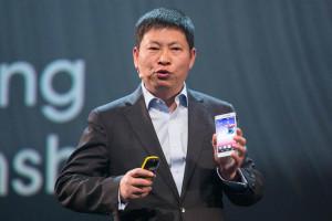 Глава Huawei надеется победить Apple за два года