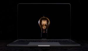 Новая реклама MacBook Pro: сотни разбитых лампочек
