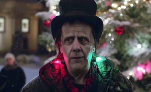 Главным героем рождественской рекламы Apple стал монстр