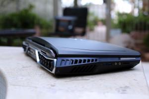 Acer представила ноутбук-«монстр» с изогнутым экраном