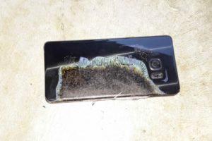 Samsung назвала официальную причину взрыва аккумуляторов