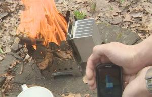 Инженер создал устройство, чтобы заряжать гаджеты от огня