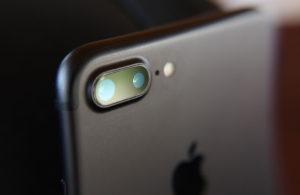Аналитик: в падении продаж iPhone виноват устаревший дизайн