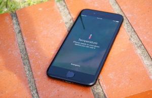iPhone оставили на солнце — и он расплавился
