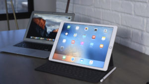 Джошуа Топольски: iPad уступает ноутбукам практически во всем