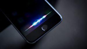 """Виртуальная помощница Siri получила награду """"Эмми"""""""