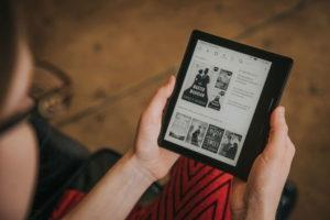 Amazon представила водонепроницаемую электронную книгу Kindle Oasis