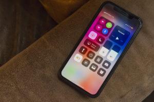 10 минусов iPhone X
