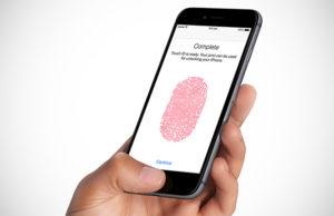 Американские полицейские вломились в похоронное бюро, чтобы разблокировать телефон пальцем умершего