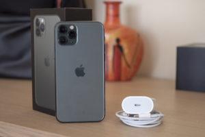 Стоит ли покупать IPhone 11 Pro Max или же обойтись просто Pro версией