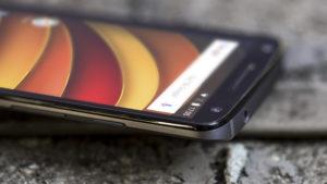 Motorola получила патент на телефон со способностью самозаживления