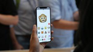 Джонатан Айв рассказал, как долго шла работа над iPhone X