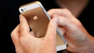 Вырез в стиле iPhone X и ещё 5 самых вредных трендов, которые задала Apple